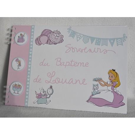 Livre d'or baptême thème Alice au pays des merveilles